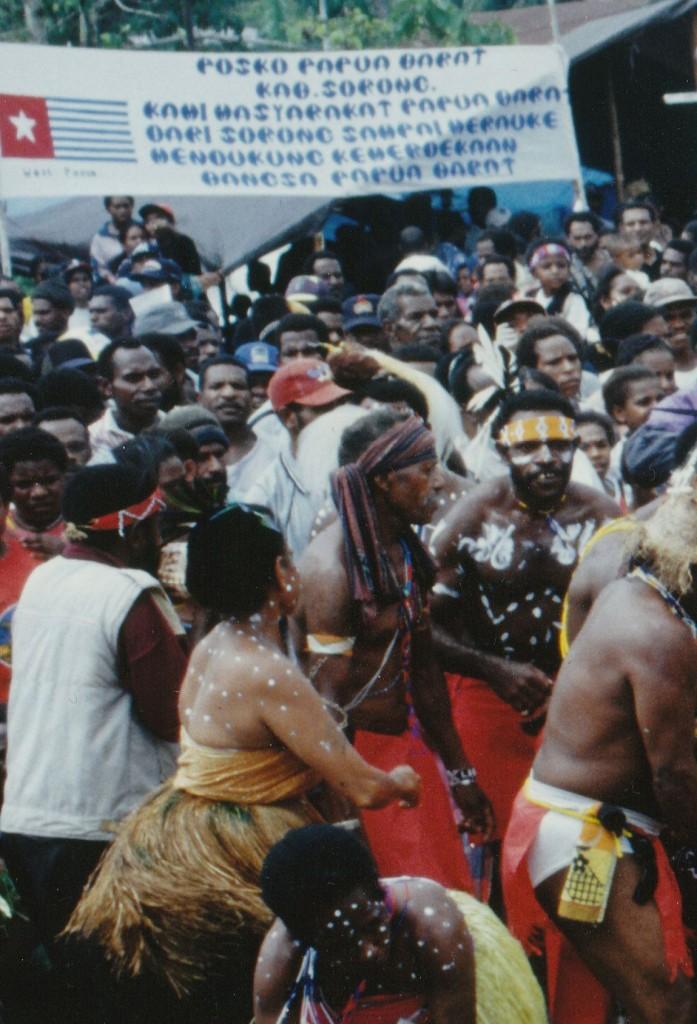 Freiheitsbekundung Timika H50-2009